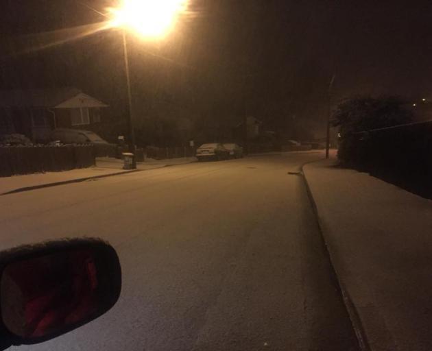 Snow in Brockville this evening. Photo: Debbie Jenkins
