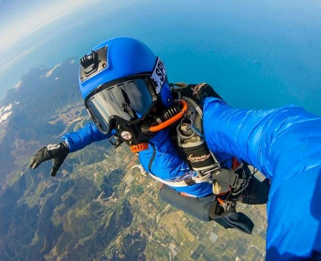Wendy Smith had a freefall of 1 minute 50 seconds after exiting the plane. Photo: Supplied via RNZ