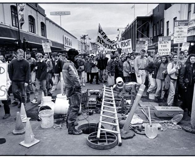 Student protestors march up George St in mid 1994 to demonstrate their opposition to increases in tuition fees as outlined in the Report of the Ministerial Consultative Group (MCG) for funding the expected growth in tertiary student enrollments over the n