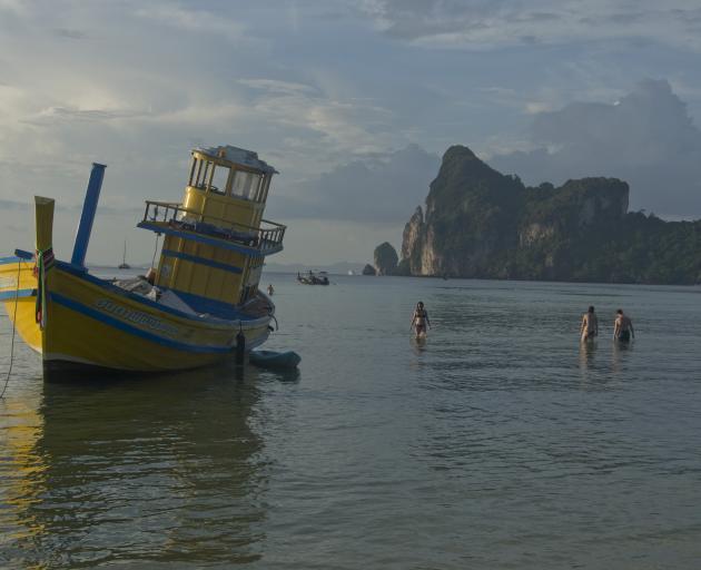 New Zealand woman, 24, found dead off Thai beach