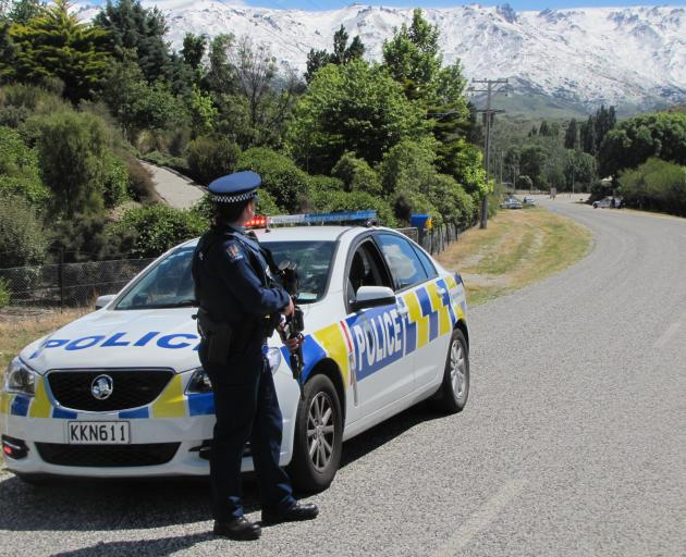 Armed police in Central Otago seeking teen who may have gun
