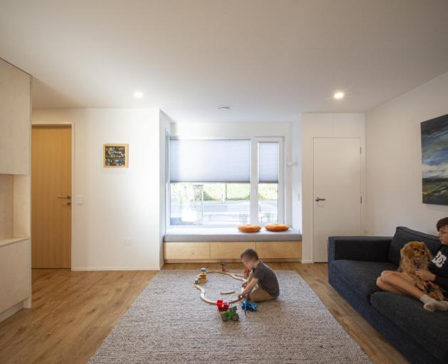 Tim and Philippa Ross wanted a simple interior with muted colours and natural materials.