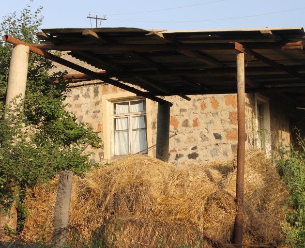亚美尼亚的大部分地区仍然保持着农村的深刻和保守。