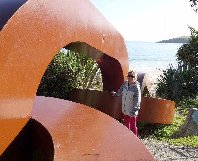 The chain links by sculptor Russell Beck, anchoring the country to Stewart Island-Rakiura. Photo:...