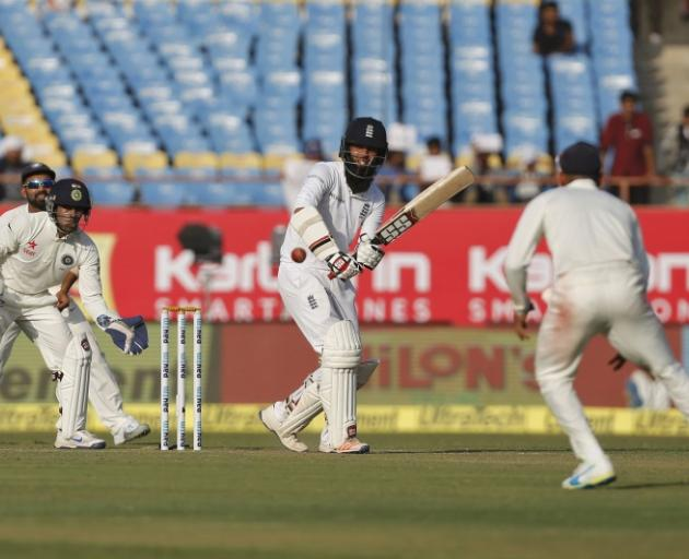 Root, Ali put England on top