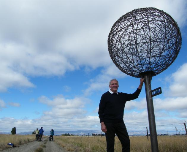 Solar system to scale on Rail Trail | Otago Daily Times