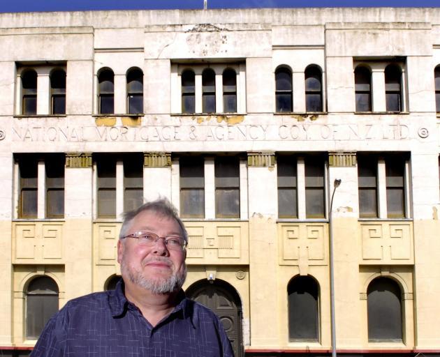 Assoc  Prof  Alexander Trapeznik, Department of History and Art History, University of Otago....