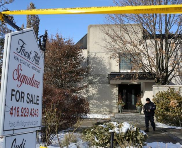 Homicide police take lead in probe of billionaires' deaths | Otago ...