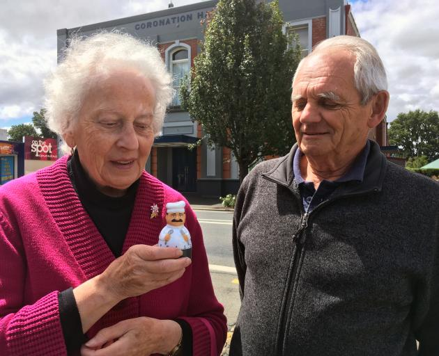 Margaret van Zyl and Ian Norris, both of Mosgiel, inspect a kitchen timer after speaking in a public forum in Coronation Hall last week. Mrs van Zyl used the timer to ensure she kept within the time limit. Photo: Shawn McAvinue