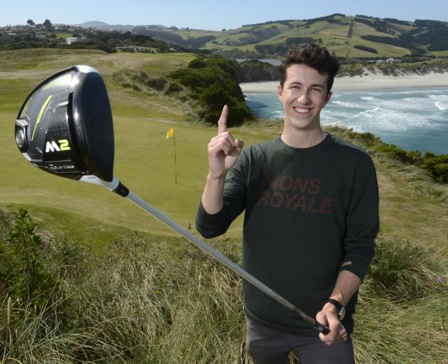 One stroke from his driver was all it took Mackenzie Gibson to hole-out on the ninth hole of Chisholm Park Golf Club on Monday night. Photo: Gerard O'Brien