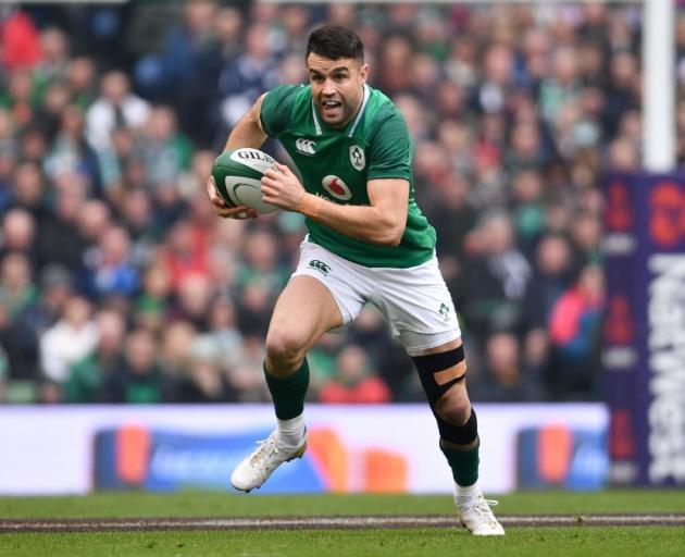 Ireland pile pressure on England with bonus-point win
