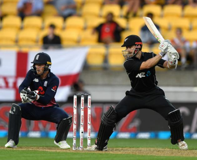 6d9880914f1 The Black Caps fell at the last in a thrilling finish to the third ODI  against