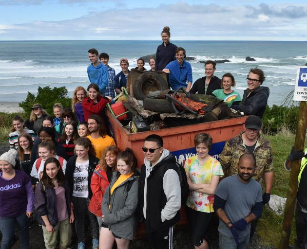 Volunteers, including University of Otago student residents at Hayward and Cumberland Colleges,...