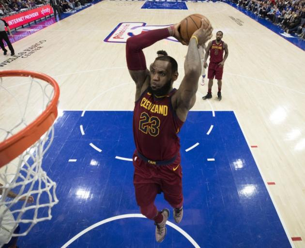 LeBron James will see the Cleveland Cavaliers are still one of the  favourites in the NBA 0a9c73962