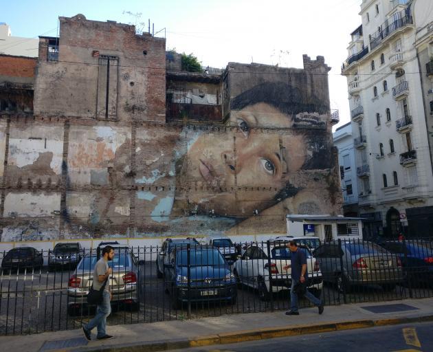 Graffiti art adorns a wall in Buenos Aires. Photos: Ben and Alan Whitaker