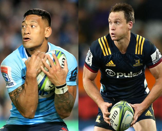 Waratahs halfback Israel Folau and Highlanders halfback Ben Smith. Photos: Getty Images