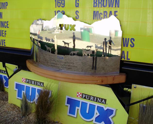 A monument was commissioned by Tux to mark its 50 years of sponsorship of the New Zealand Sheep Dog Trial Association. The creation, which was unveiled during the recent sheep dog trials at Meadowbank Station, will be housed at the Tux factory in Marton.
