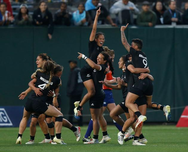 Black Ferns too good for France to defend Sevens World Cup title