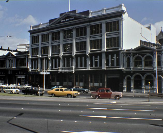Here's the Otago Daily Times building in all its glory and in glowing Technicolor. Taken in 1977. Note the elegant median fence on the right. Photo: Otago Daily Times