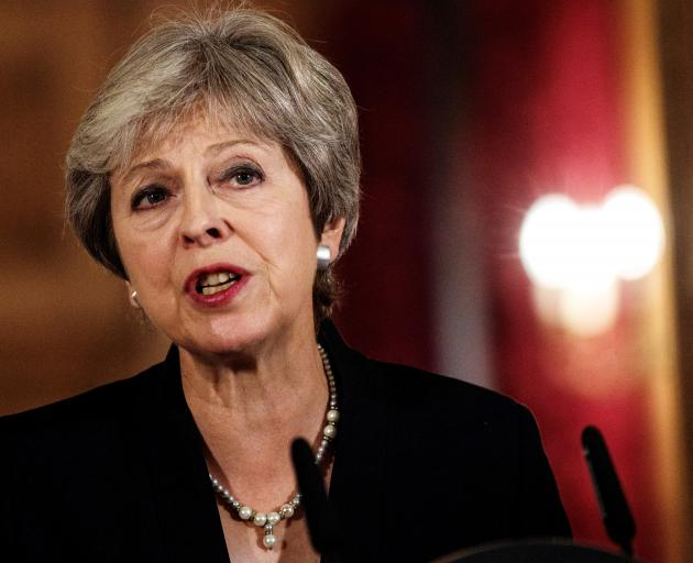 Theresa May says no-deal brexit better than current EU offer