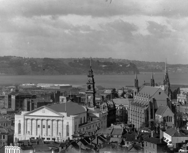 A very different looking Dunedin in days of yore - one of the images that will be discussed by Dunedin City Council archivist Alison Breese at the Savoy tomorrow afternoon. Photo: DCC Archives