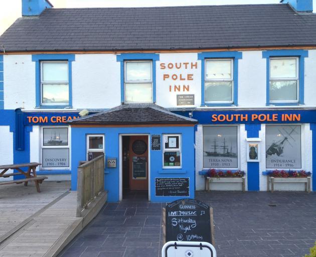 南极探险家Tom Crean位于凯里郡丁格尔半岛的酒店。