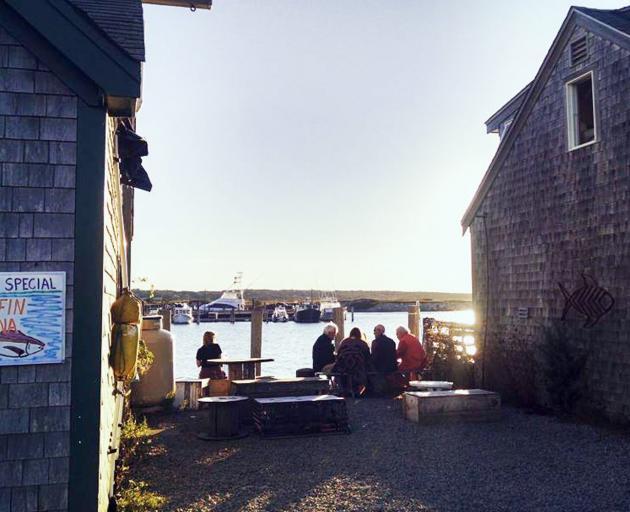 夏季,玛莎葡萄园的鱼类市场比比皆是。照片:Gwyneth Hyndman