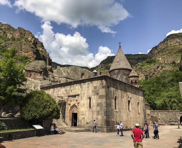 """格加尔德修道院,翻译为""""矛的修道院"""",起源于长矛......"""