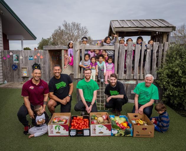 KiwiHarvest Auckland drivers and volunteers deliver packages to the Apii Potiki Community...