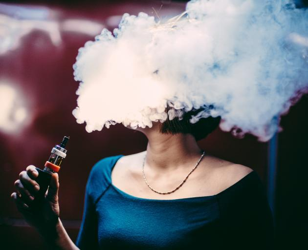 Switching completely to vaping can be difficult for some smokers. Photo: Getty