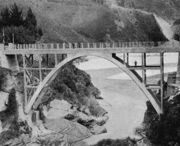 The new Arthur's Point bridge over the Shotover River, opened recently by the Hon D. H. Guthrie, Minister of Lands. - Otago Witness, 26.2.1919.