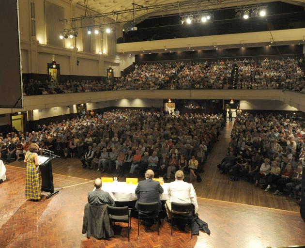 A Stop the Stadium meeting draws a big crowd to the Dunedin Town Hall on March 29, 2009. Photo: Peter McIntosh