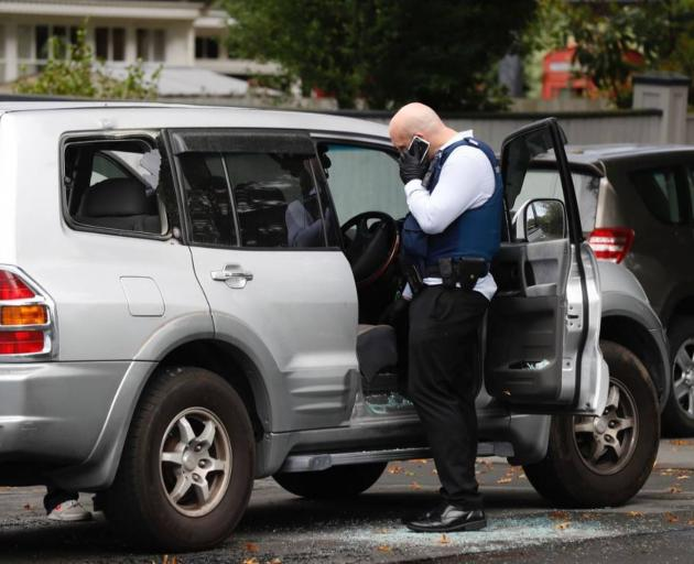 NZ police probe mosque attack links after man dies in stand-off