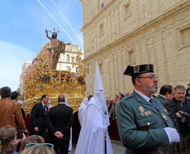 Easter Sunday morning and the last and only procession on Domingo de Resurreccion.