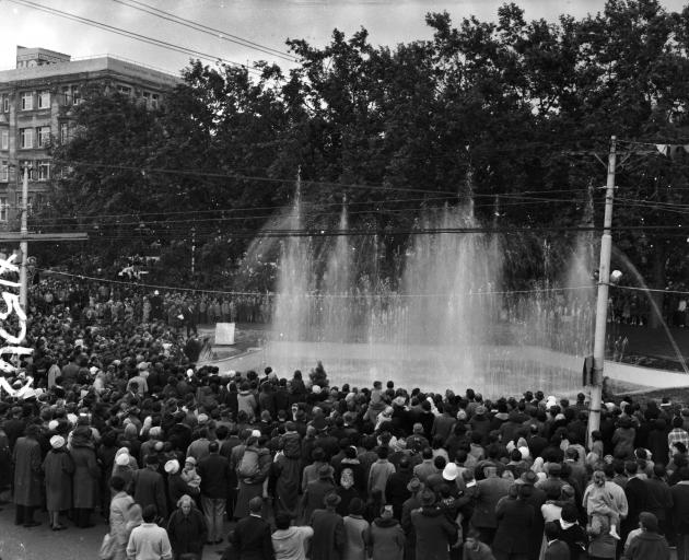 Crowds gather to watch the Star Fountain in the Octagon in the mid-1960s. PHOTO: THE EVENING STAR