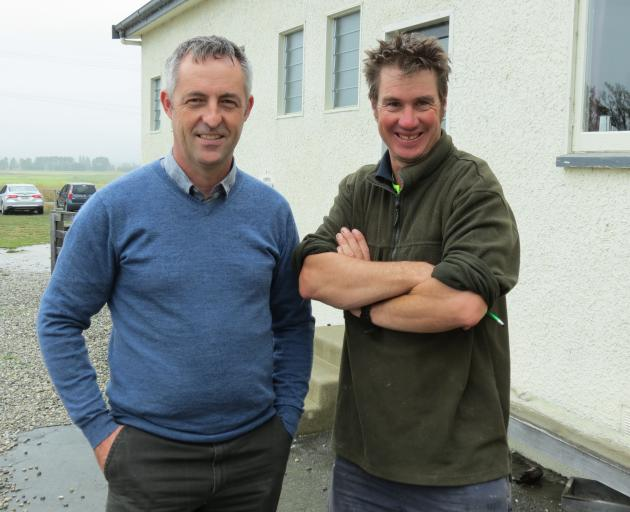 A group of deer farmers attended the Otago Advance Party regional workshop in Poolburn last week. The workshop was organised by Abacusbio consultant Simon Glennie (left) and visited the Poolburn property of deer farmer Cam Nicolson (right). Photo: Yvonne