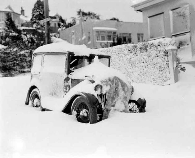 The Great Snow of 1939. Photo from 'The Evening Star' archive.