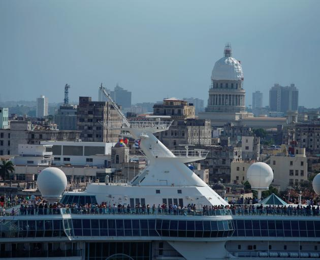 Cruise ship MS Empress of the Seas, operated by Royal Caribbean International, leaves the bay of Havana. Photo: Reuters