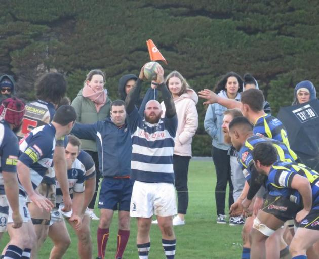 Former Highlanders hooker Greg Pleasants-Tate is about to throw into a lineout for his Star side...