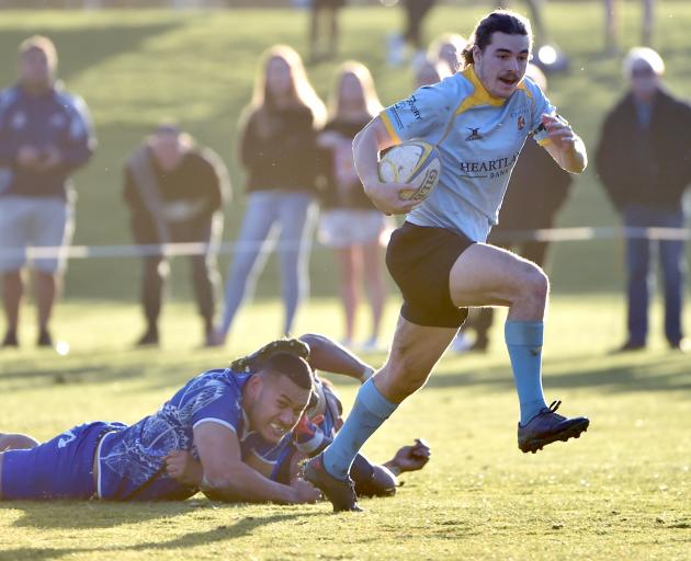 University pulled off the surprise of the round, thumping Harbour 53-0. Photo: Peter McIntosh