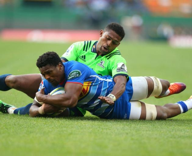 Sikhumbuzo Notshe scores for the Stormers as Waisake Naholo is unable to cover for the...