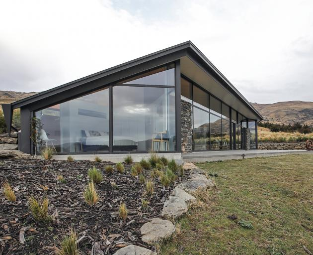 Homes win 2 top awards | Otago Daily Times Online News