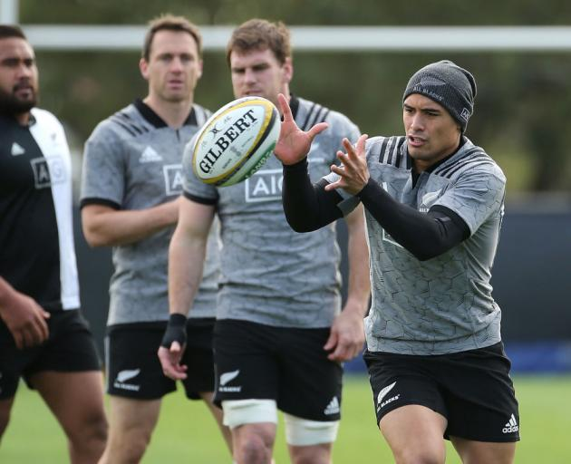 Savea to start at number six in surprise All Blacks move
