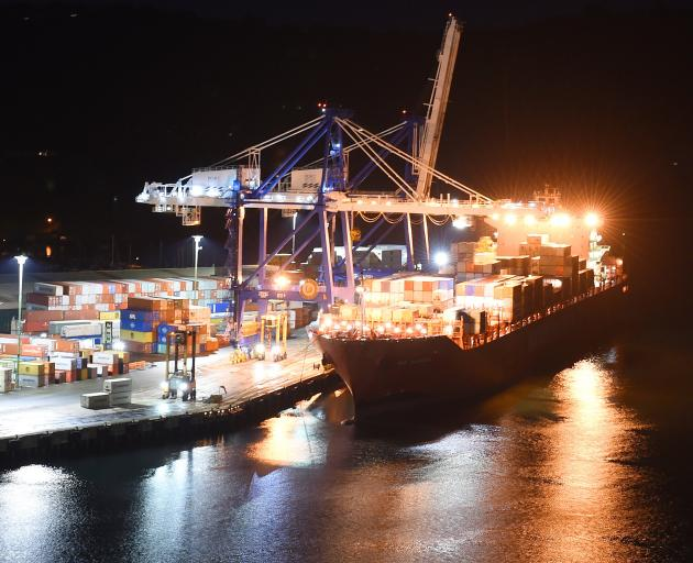 Port Otago workers have given notice of an overtime ban over disagreement with management over...