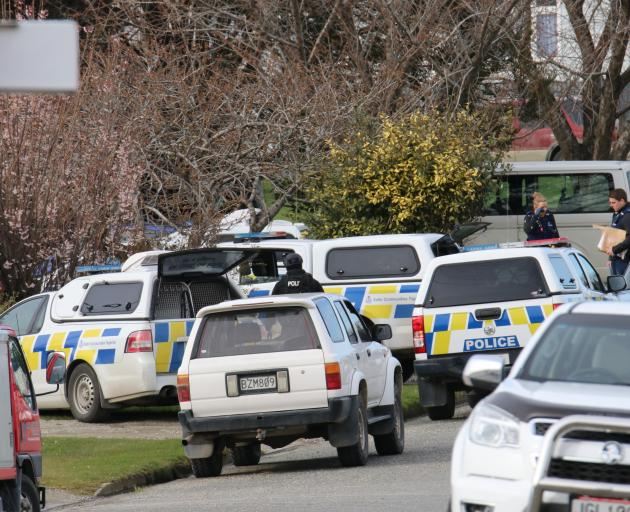 AOS took part in a search warrant at a property on Ontario St this morning. Photo: Sandy Eggleston