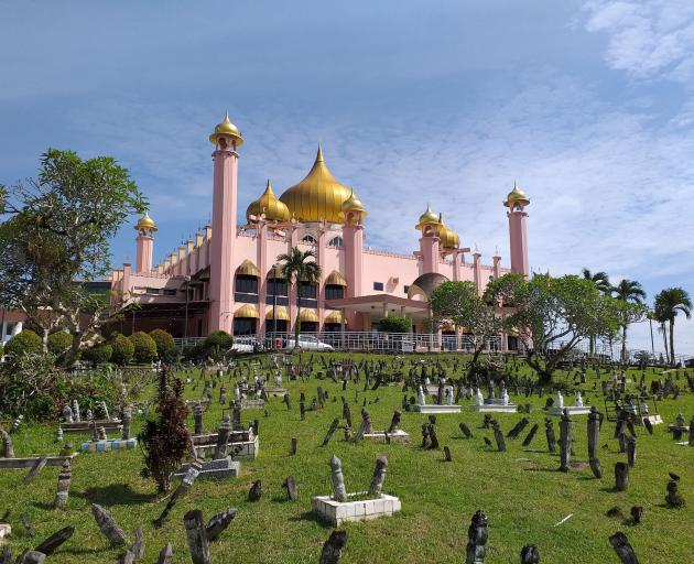 The City Mosque and burial ground.