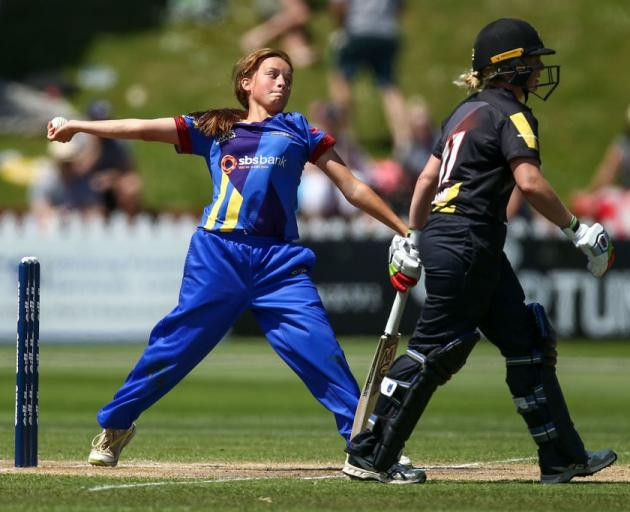 Bowler Eden Carson is one of nine Otago Sparks players to receive a domestic contract. Photo:...