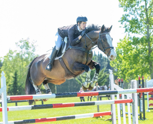 Todd Magner on Awatuna Jonesy took out the Equissage / Kinlock Farms Horse Grand Prix yesterday....