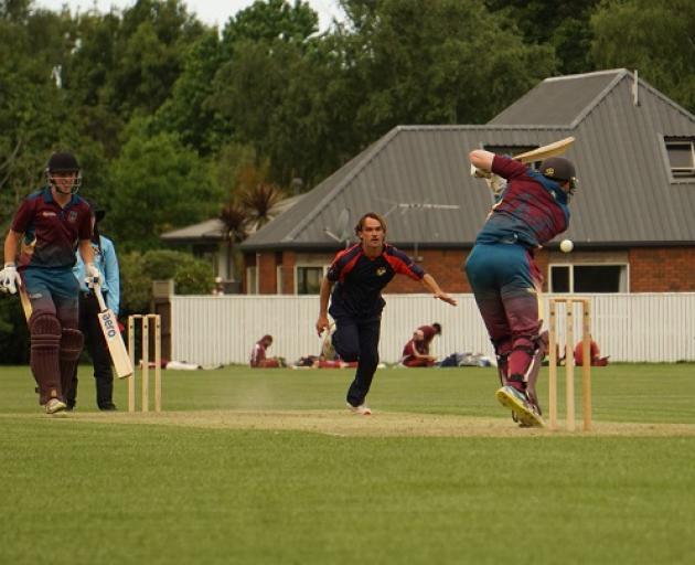 Ryan Wallace took 3/21 in a must win match for Sydenham against Burnside West.