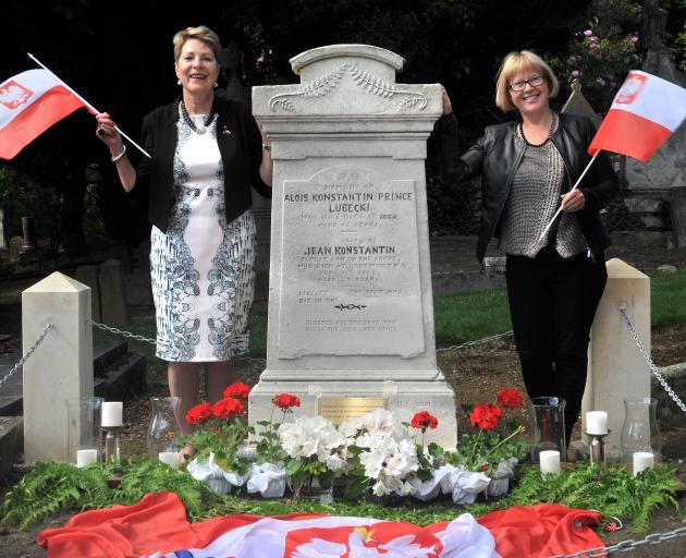 Polish Heritage Trust of Otago & Southland Charitable Trust secretary Anna McCreath Munro (left) and former trust chairwoman Cecylia Klobukowska at the grave of Polish Prince Alois Konstanty Drucki-Lubecki, in Dunedin's Southern Cemetery. Photo: Christine
